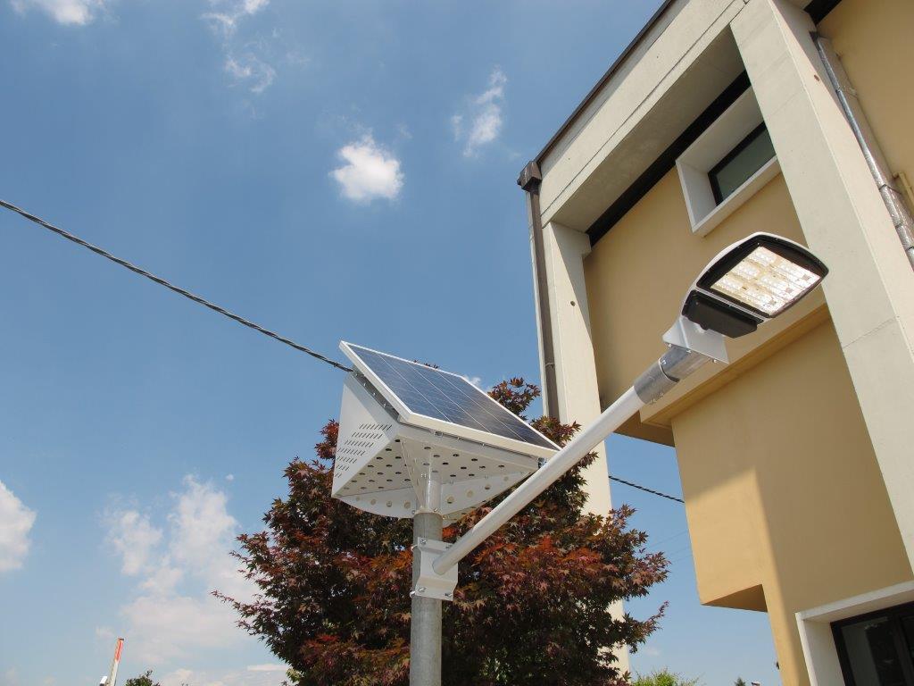Kit solare per illuminazione stradale
